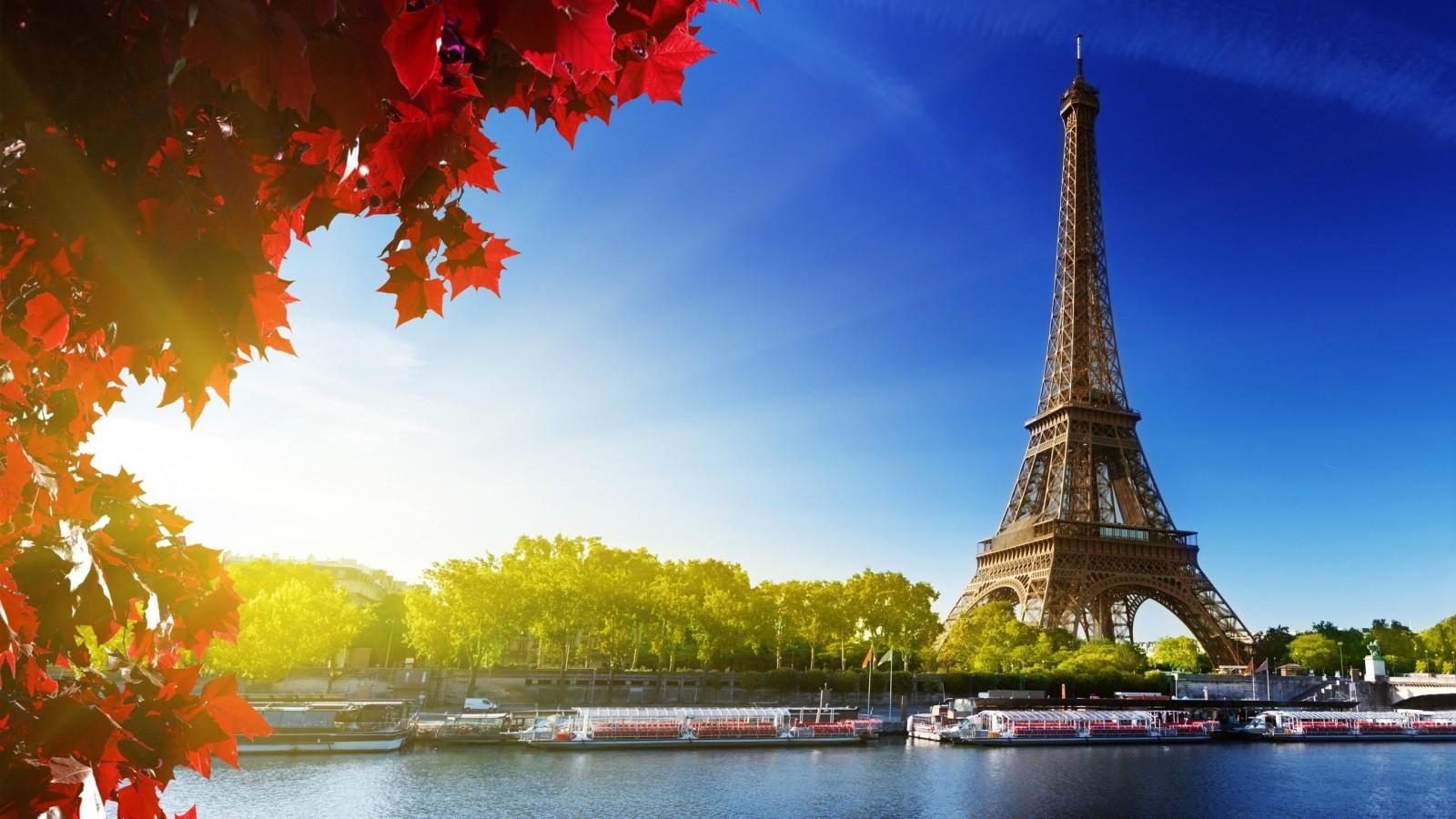 Torre-Eiffel-Autumn-900x1600