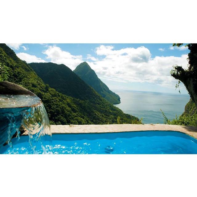 E o ano começou lindo aqui em St. Lucia! ??? #viajandoadois