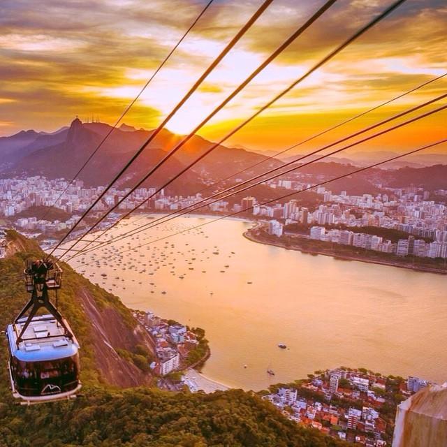Rio, eu te amo! ? Parabéns para minha cidade, que mesmo com todos os problemas, continua linda e é para onde eu volto feliz depois de cada viagem! ?? 450 anos! #viajandoadois